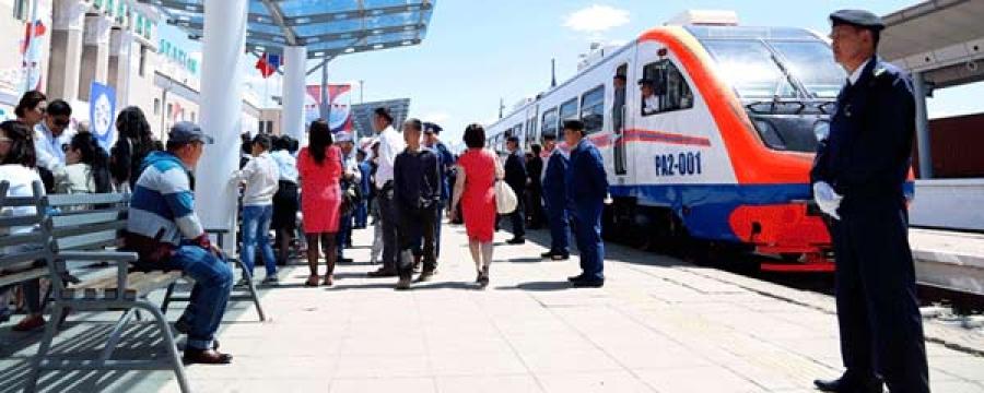 Төмөр замын Railbus үйлчилгээнд явж эхэллээ