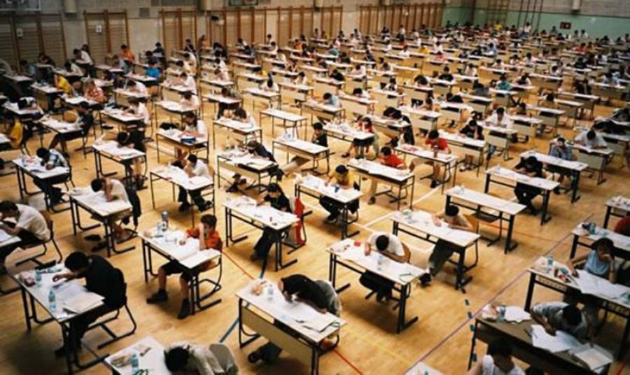Зарим хичээлийн шалгалтад сурагчдын сонсох чадварыг шалгасан сорилт оруулна