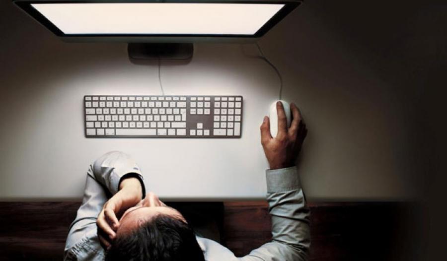 Та компьютерийн урд оройн цагаар хэр удаан суудаг вэ