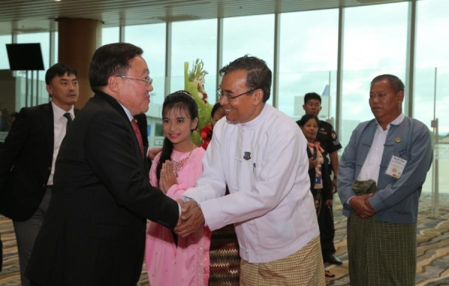 Ерөнхийлөгч Мьянмарт очжээ