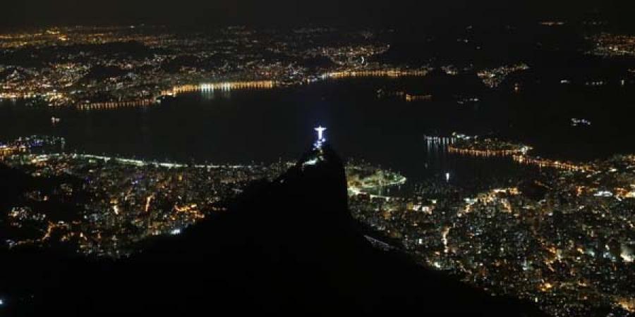 ФОТО: Рио-де-Жанейро хотын шөнийн дүр зураг