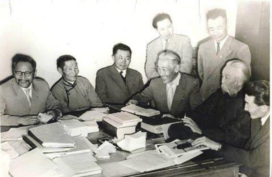 Монгол хэлээ аврах комиссыг сэргээлээ