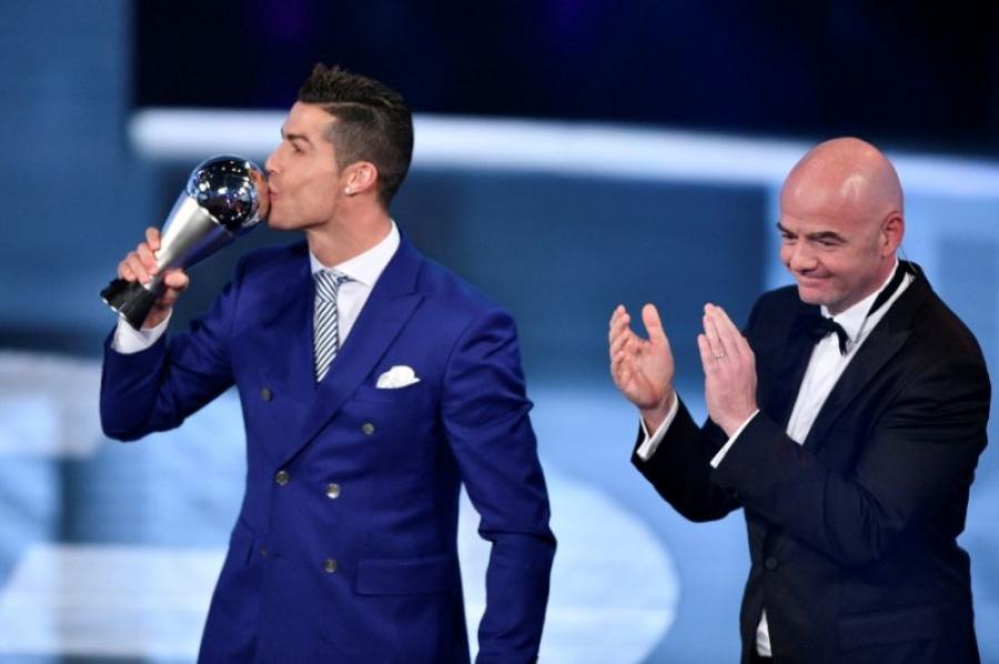 FIFA: К.Роналду оны шилдэг тоглогч боллоо