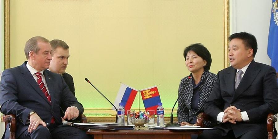 Орос-Монголын харилцаа хурдацтай хөгжиж байгааг онцлов