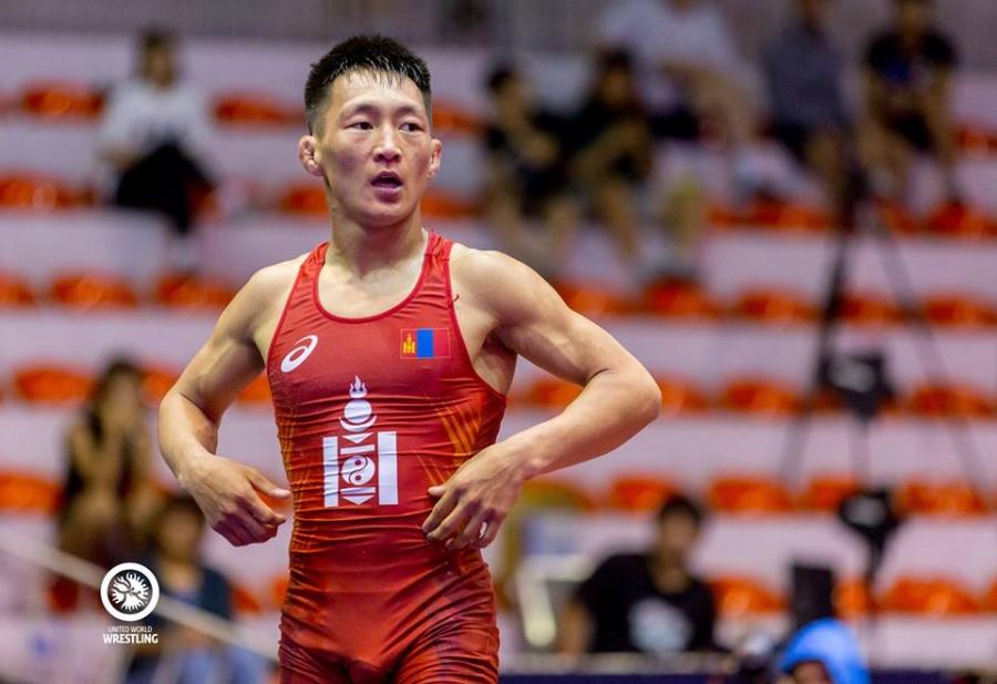Манай бөхчүүд залуучуудын Азийн аваргааc зургаан медаль хүртэв