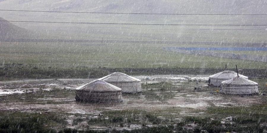 Төвийн аймгуудын нутгаар бороо орно
