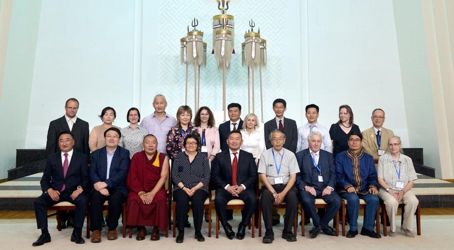 Монгол судлаач эрдэмтэдтэй уулзлаа