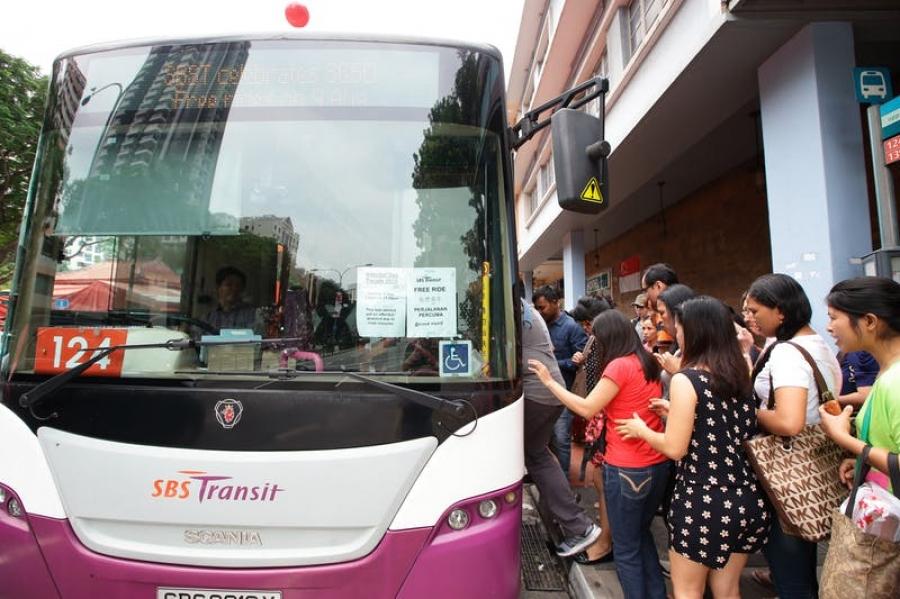Өөрөө явдаг автобус, робот Сингапурын өсөлтийг түргэсгэнэ