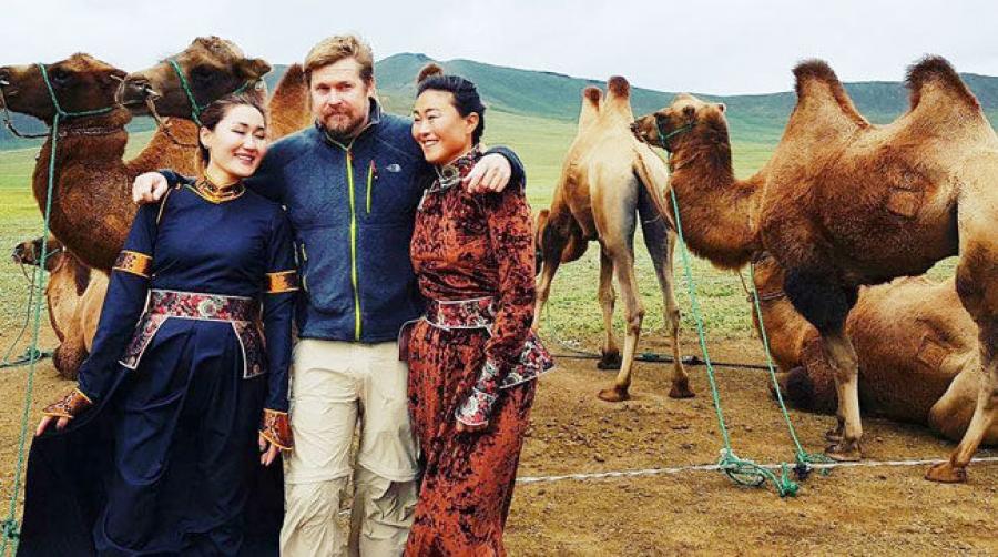 Н.Байгалмаа: Европ хүртэл 20 мянган бээр газрыг тэмээгээр туулна