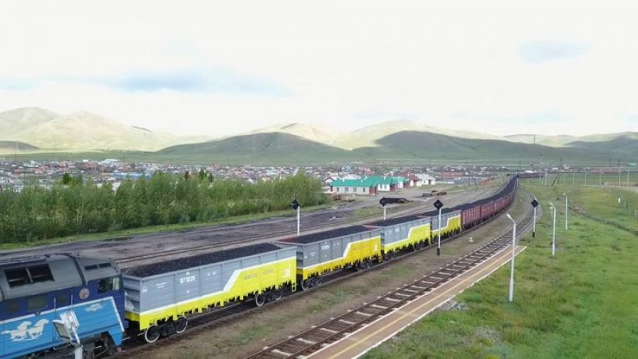 Монголд угсарсан ачааны вагоноор 30 мянган тонн нүүрс тээвэрлэжээ