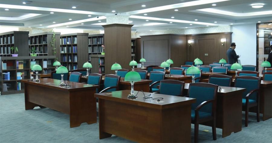 Нэгэн зэрэг 700 оюутанд үйлчлэх номын сан нээгдлээ