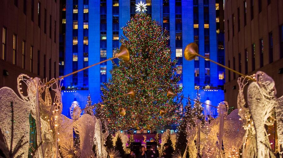 ФОТО: АНУ-ын гол гацуур баярын гэрлээ асаалаа