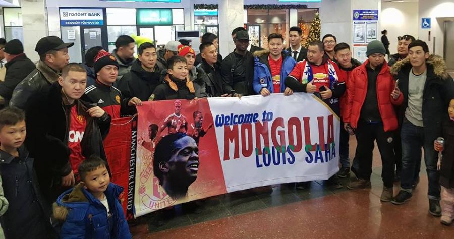 Алдарт хөлбөмбөгчин Луи Саа Монголд ирлээ