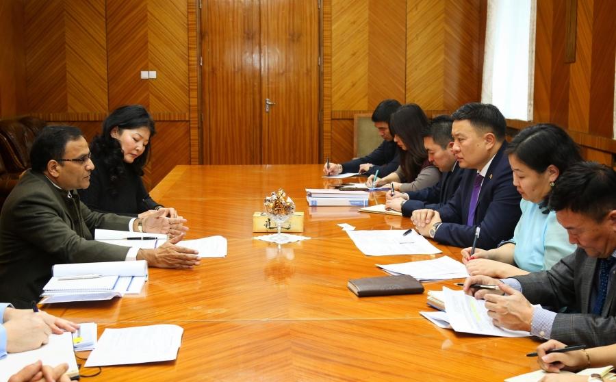 БОАЖ-ын сайд Н.Цэрэнбат АХБ-ны төлөөлөгчидтэй уулзлаа