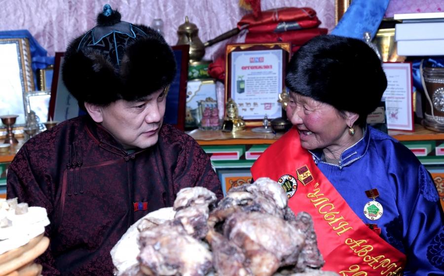 ХХААХҮ-ийн сайд Б.Батзориг Орхон, Булган аймгийн Улсын аваргууддаа шагнал гардууллаа