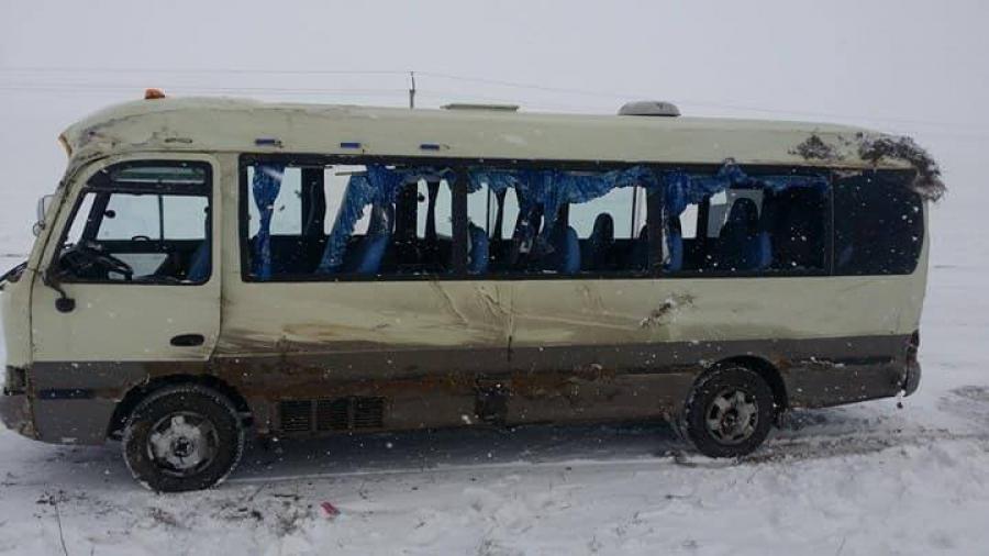 Хустайн давааны орчимд 28 зорчигчтой автобус осолджээ