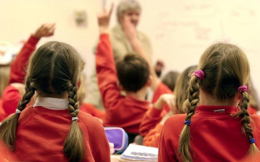 Хүүхэд насанд гадаад хэлийг суралцах цонх үеийг ашиглахгүй бол хожимдоно
