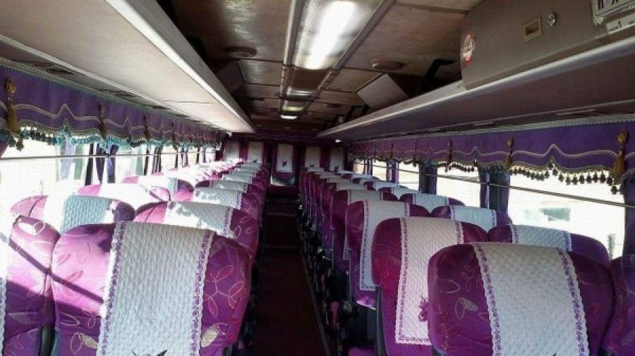 Төгсөх ангийн 30 хүүхэд тээвэрлэж явсан автобусны жолооч согтуу байжээ