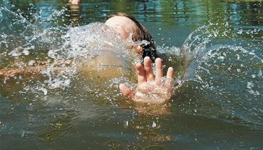 Эцэг эхийн хариуцлагагүй байдлаас болж таван хүүхэд усанд живж амиа алджээ