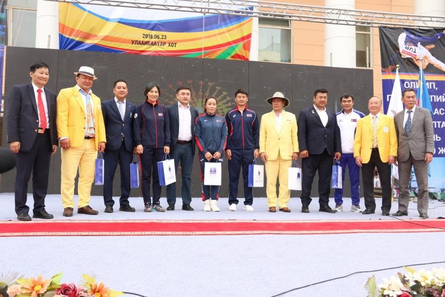 Монголын тамирчдын болон Олон улсын олимпийн өдөр тохиолоо
