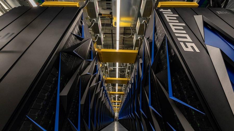 """Дэлхийн хамгийн хүчирхэг суперкомпьютер """"Summit"""""""