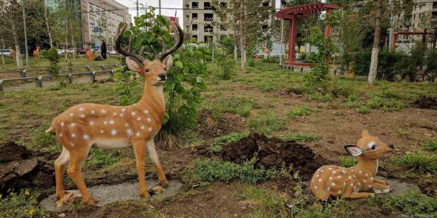 """ФОТО: """"Шинэ Хан-Уул"""" цэцэрлэгт хүрээлэнг ингэж тохижуулжээ"""