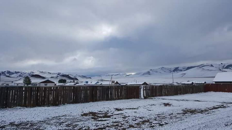 Баруун аймгуудад цас оржээ