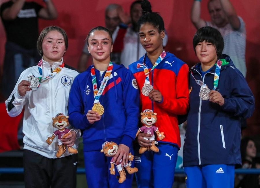 Л.Сосорбарам Залуучуудын олимпоос мөнгөн медаль хүртлээ