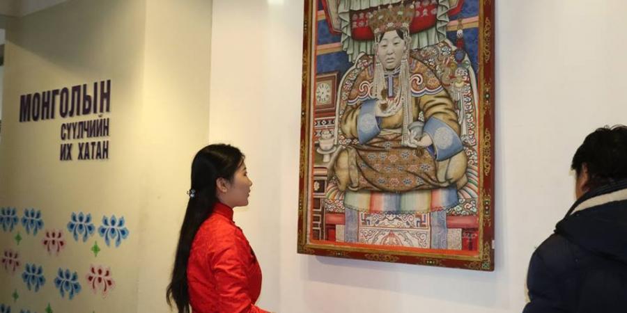 """ФОТО: """"Монголын сүүлчийн их хатан"""" үзэсгэлэнг нээв"""