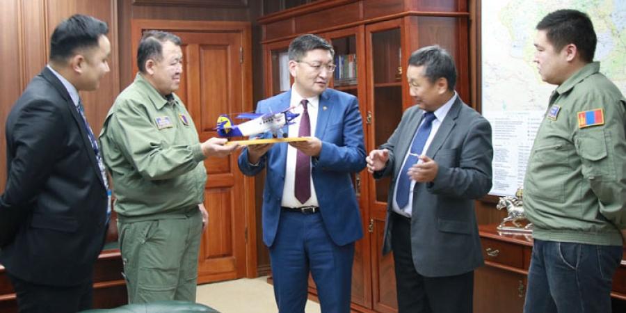 Монгол Улсад бага оврын агаарын хөлгийг угсрах үйлдвэрлэлийг хөгжүүлнэ