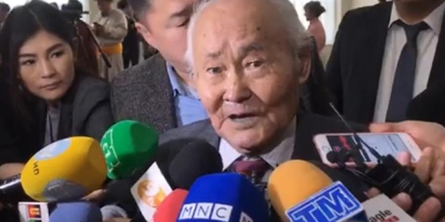 Б.Бааст: Ард түмэндээ баярлалаа, бүгдээрээ 100 наслаарай