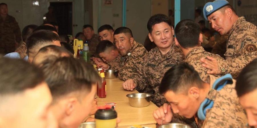 Монгол цэргүүд 114 мянган дүрвэгч байрладаг хуаранг хамгаалж байна