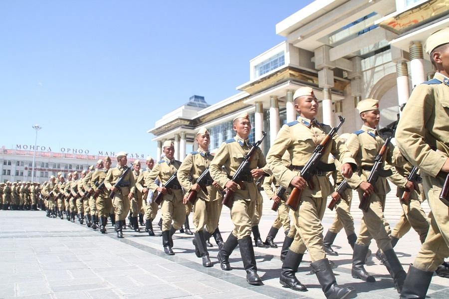 Монгол эрчүүд дунджаар 29 насандаа гэрлэдэг