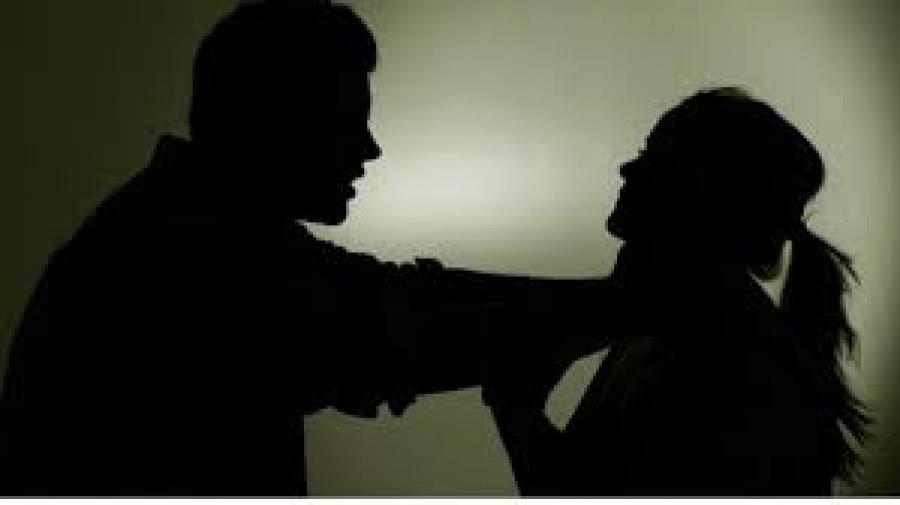 Гэр бүлийн хүчирхийлэлд байдаг охин гэрээсээ дайжиж, биеэ үнэлж байжээ