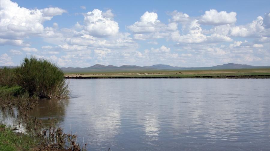 Хэрлэн голд живж байсан дөрвөн охины амийг аварчээ