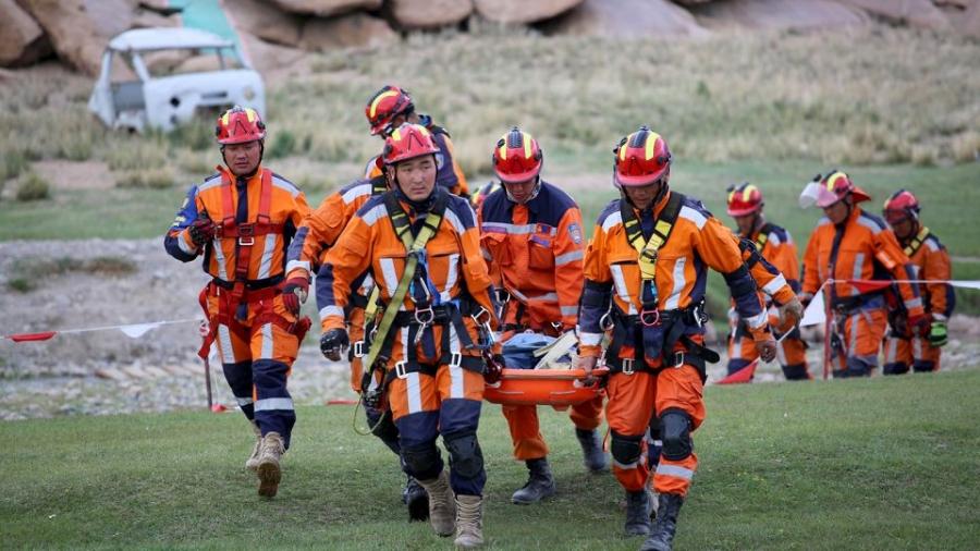 Онцгой байдлын байгууллагын алба хаагчид 842 хүний амь насыг авран хамгааллаа