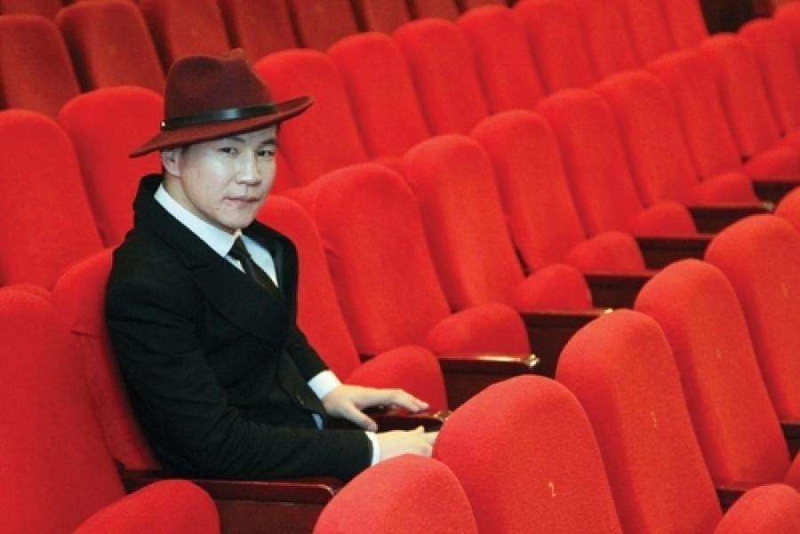 А.Чингүн: Жүжгийг үзээд хайртай хүндээ
