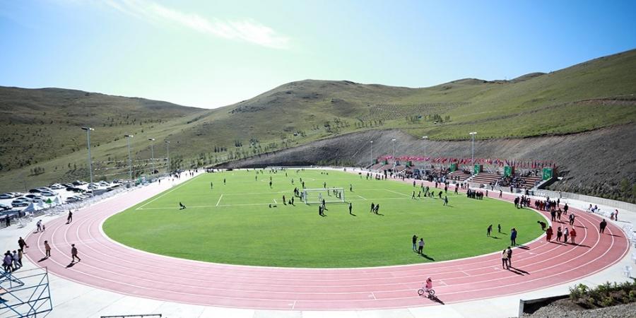 Хөнгөн атлетик, хөлбөмбөгийн талбайн нээлт боллоо