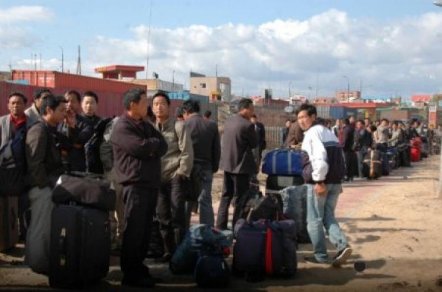 БНХАУ-ын 102 иргэний оршин суух зөвшөөрлийг нь цуцлан Монгол Улсаас гаргав