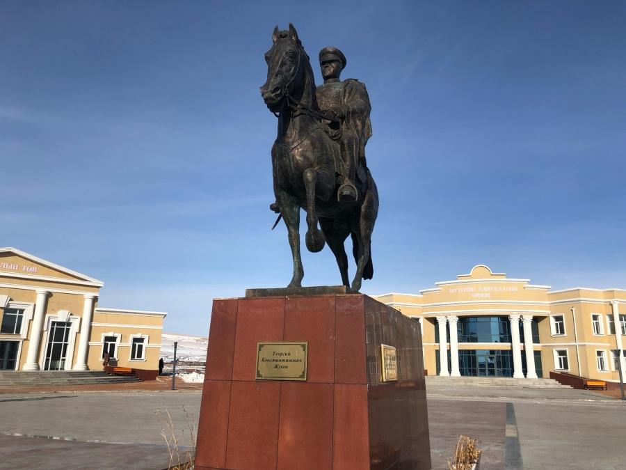 Монгол Улсын Ерөнхий сайд У.Хүрэлсүх Халх гол суманд ажиллаж байна