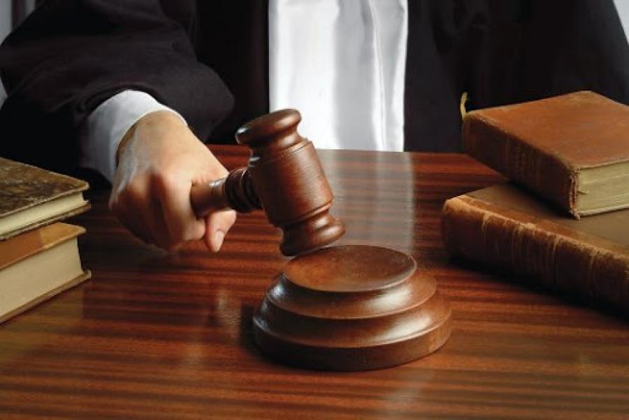 Хахууль авсан хэргээр Д.Адилбаяр, Б.Цолмон нарт ял оноов