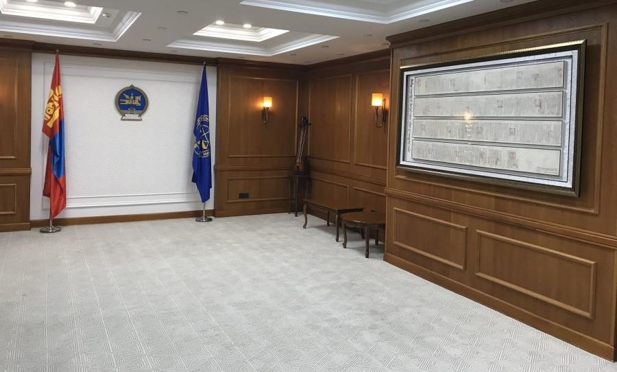 Монгол Улсын Үндсэн хуулийн цэцэд   анхдугаар Үндсэн хуулийн эхийн хуулбарыг заллаа