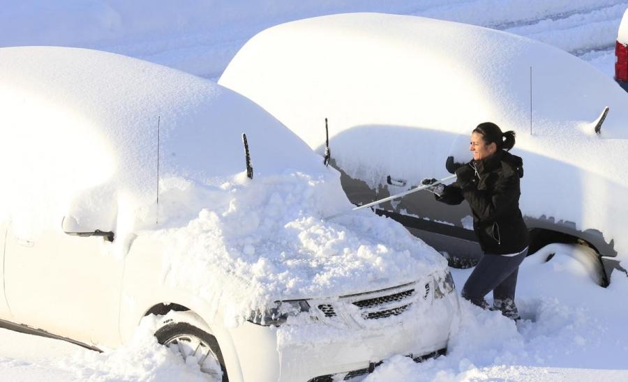 Машиныхаа цасыг яагаад арилгах ёстой вэ?