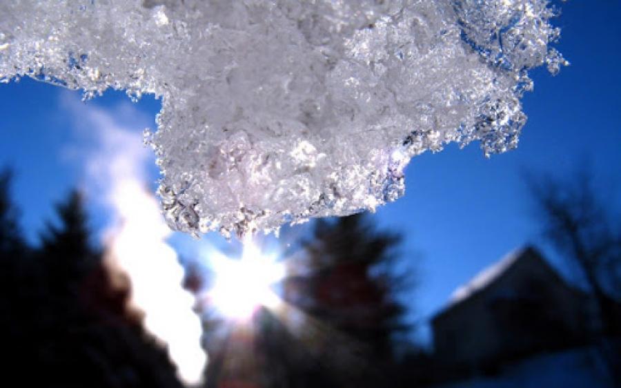 Өнөөдөр нутгийн зарим газраар цас орж, говь, тал хээрийн нутгаар салхи шуургатай байна