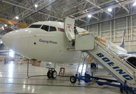 """Гүег хаан"" Boeing 737-800 онгоц өнөөдөр газардана"