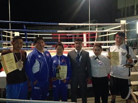 Боксчид олон улсын тэмцээнд багаараа тэргүүн байр эзэлжээ