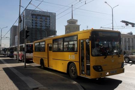Автобусны нэгдүгээр эгнээгээр зорчих замыг нэмээд хэрэг байна уу