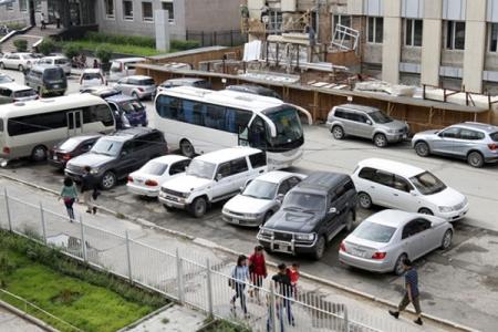 УИХ-ын гишүүдийн автомашины зогсоолыг шийдвэрлэх журам батлана