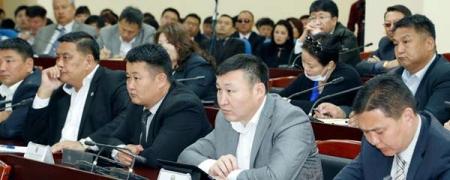 Улаанбаатар-Налайх чиглэлийн автозамыг засварлах шаардлагатай байна гэлээ