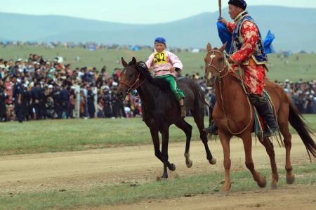 Хурдан морь унаач хүүхдүүд уяач нартайгаа гэрээ байгуулах ёстой